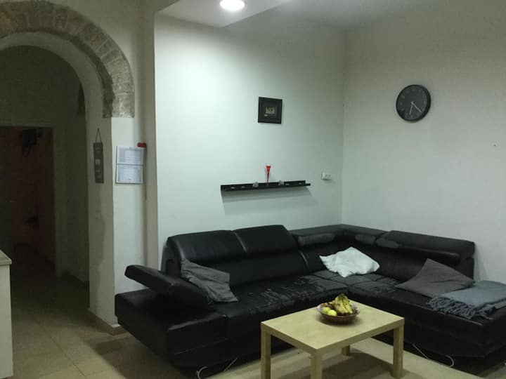 beautiful cosy home located in center of jerusalem