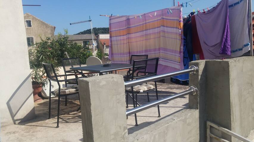 Apartmans - Deringaj - Apartemen