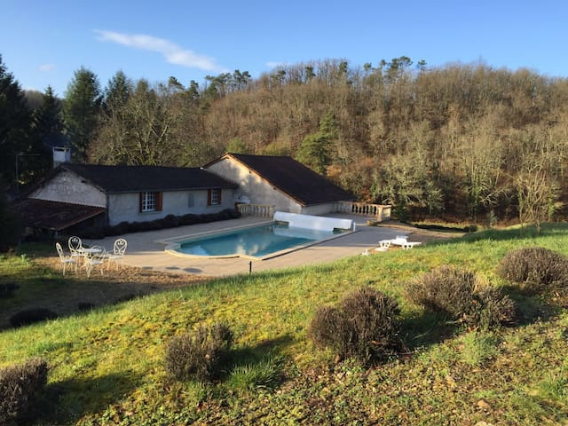 Big old house swimming pool &forest - Brantôme - Haus