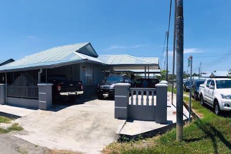 Detached house, big homestay in Kudat, Sabah