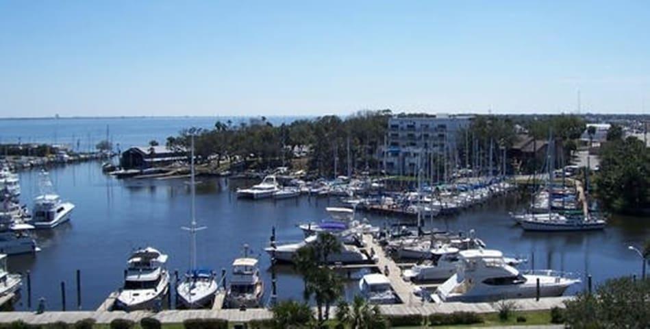 Beautiful Harbor Views across the street!