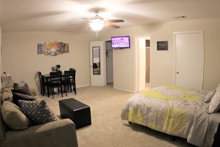 Long-Term Spacious Suite w/ Private Entry