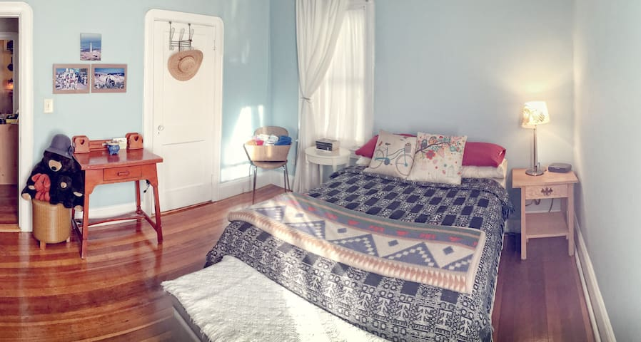 Cozy, colorful bedroom near quaint Hope Village