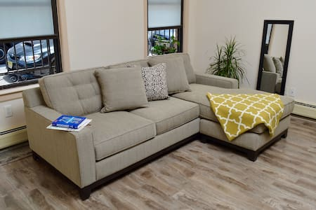 Large Jersey City Studio with Outdoor Patio Space - Jersey City - Appartement