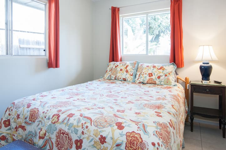 Private Cozy 1Bed/Bath Beach 1 Mile - Encinitas - Huis