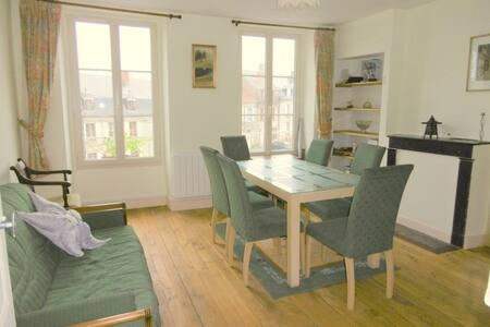 Second Floor Apartment in Jarnages, near Gueret - Jarnages