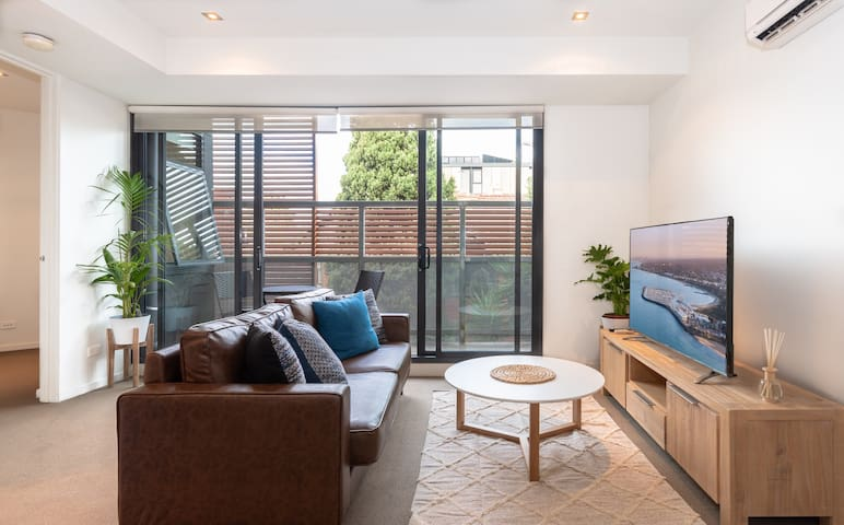 Private Modern Convenient and Comfortable StKilda