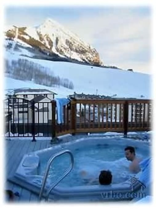 Hot tub shared in Snowcrest complex