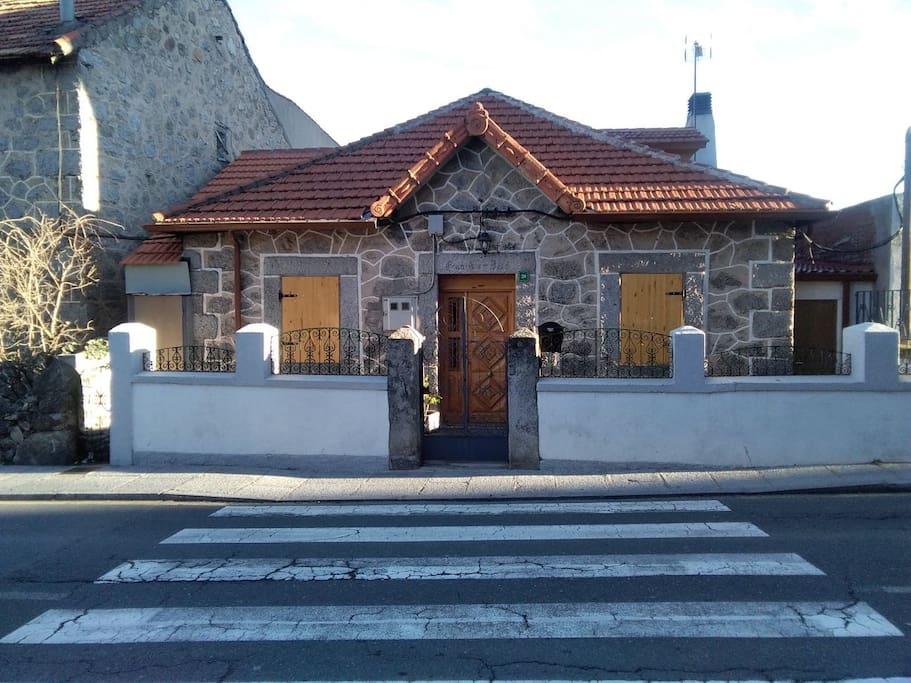 Mirador de la sierra casas en alquiler en cercedilla for Casas de alquiler en la sierra de madrid