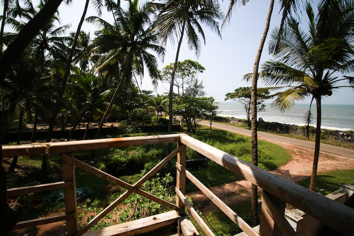 Kundapura Homestay: Deluxe Beach Room with Balcony