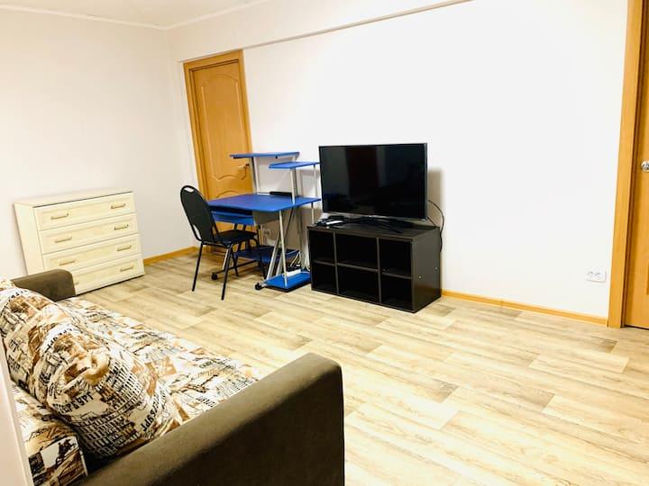 Сдаётся уютная квартира в самом центре города.