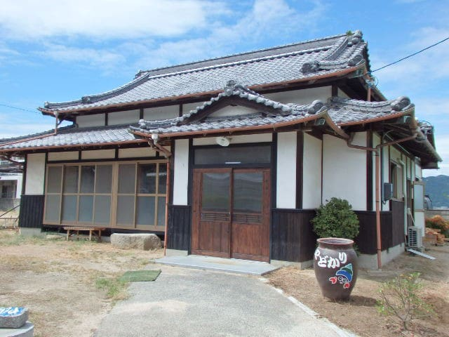 NO2(海の部屋) Along the oceans! Guesthouse Yadokari - Imabari - House