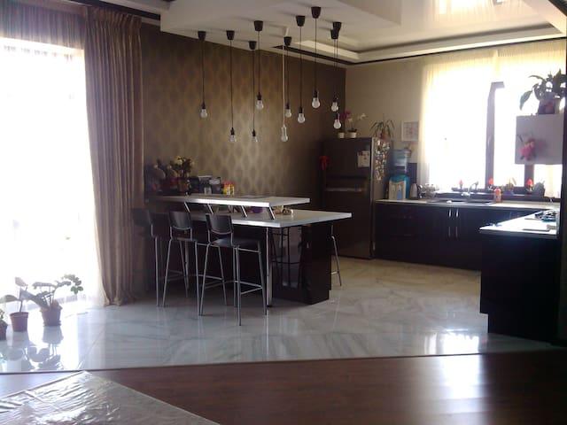 2-х этажный дом (коттедж) в Атырау