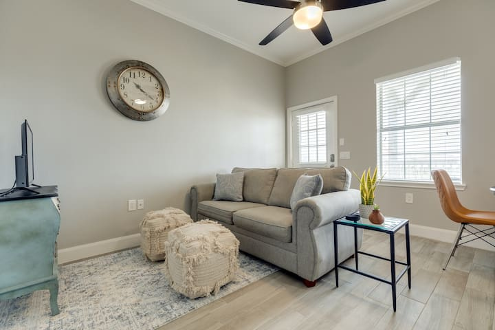 Premium Cleaned | New listing! Beautiful dog-friendly townhome w/ Surfside Beach access!