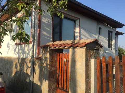 Lovely Family Guest House in Mineralni Bani!