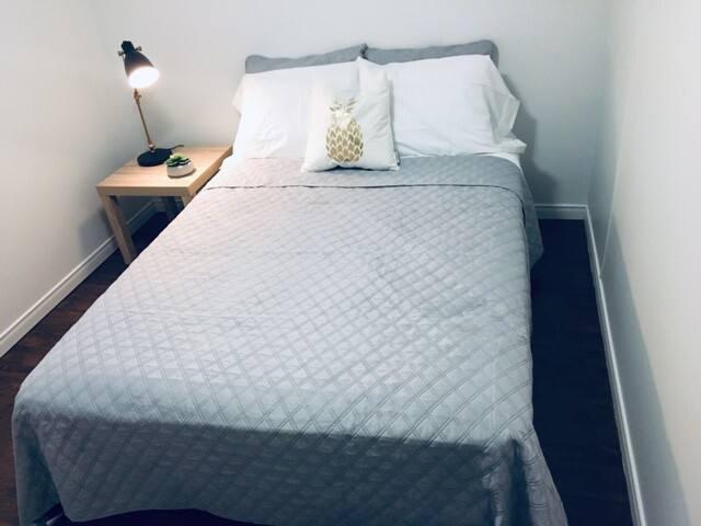 Belle chambre à louer centre ville de Val d'Or