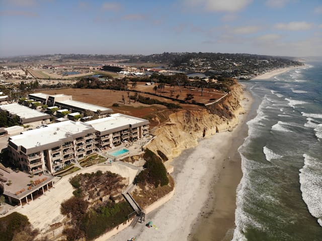 Del Mar Beach Club with 2 Master Suites!