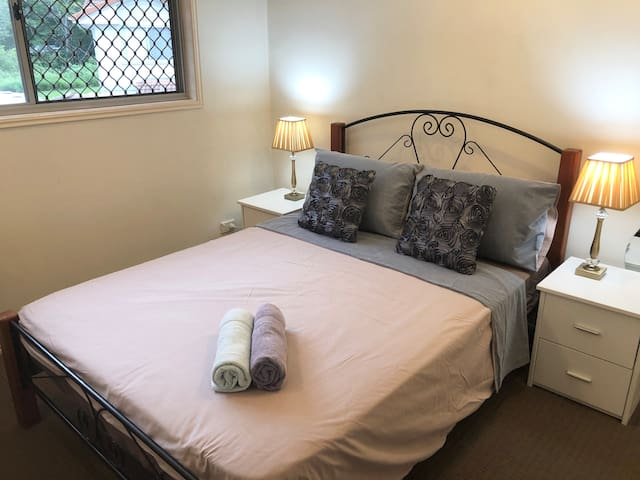 Private room near mall, city, QUT & RBWH