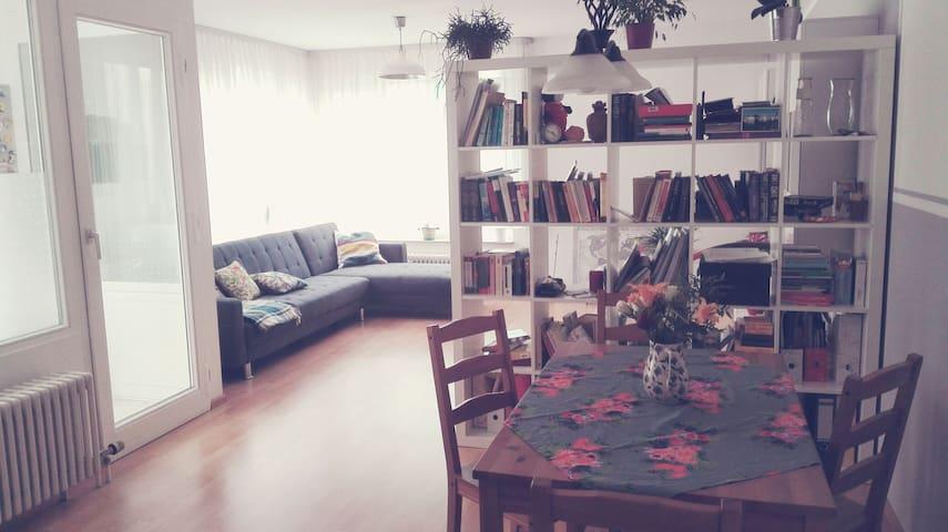 Ein Zimmer in den Weinbergen - Stuttgart - Apartment