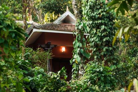 Sahyadri Nature Trails - Bed & Breakfast