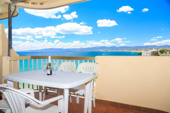 APPARTEMENT MIT MEERBLICK IN SALOU · UHC SOROLLA 012