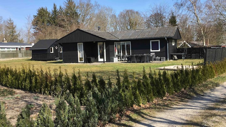 Holiday cottage/sommerhus 200 m to FjellerupStrand