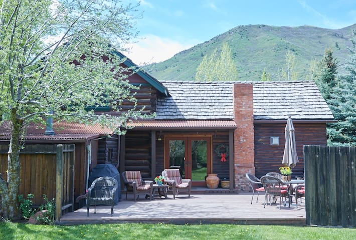 Snowmass Log House on the River - Snowmass