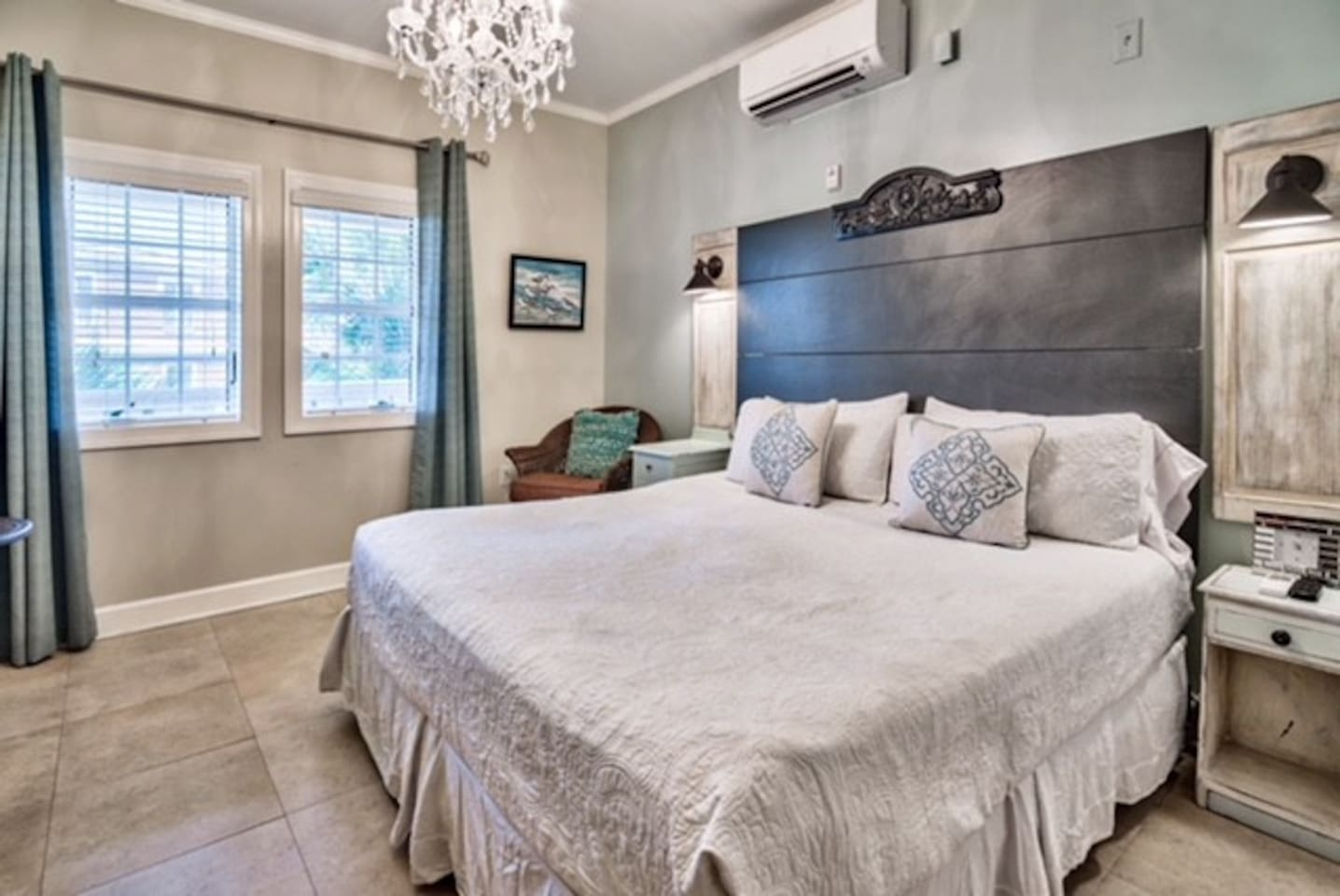 Stunning Updated Studio Right on 30A. Perfect getaway for 2!