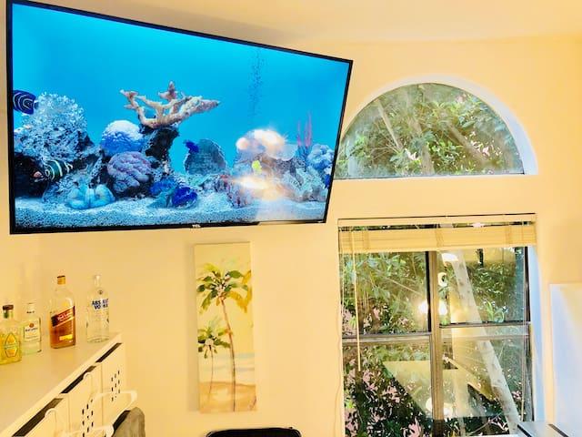 SANITIZED Safe BEACH DREAM ROOM,SAND,WIFI TV,Lock!