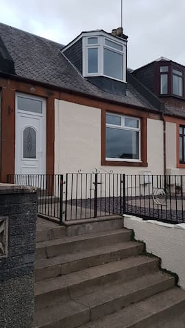 3 bed house suitable for families or groups,
