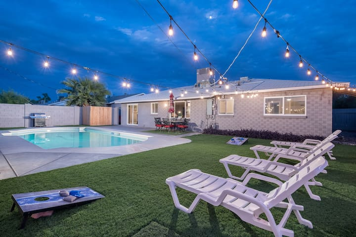 ⭐️Gorgeous Old Town Home,  Pool & Perfect Location