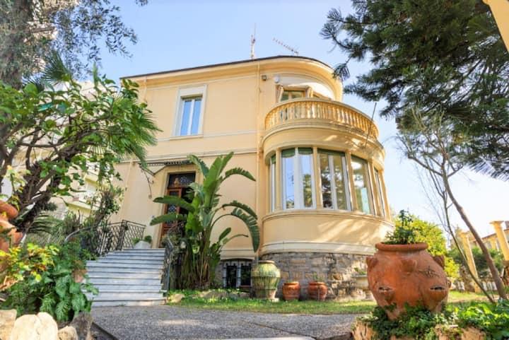 Villa nel centro di Sanremo? La Casa di Vale!
