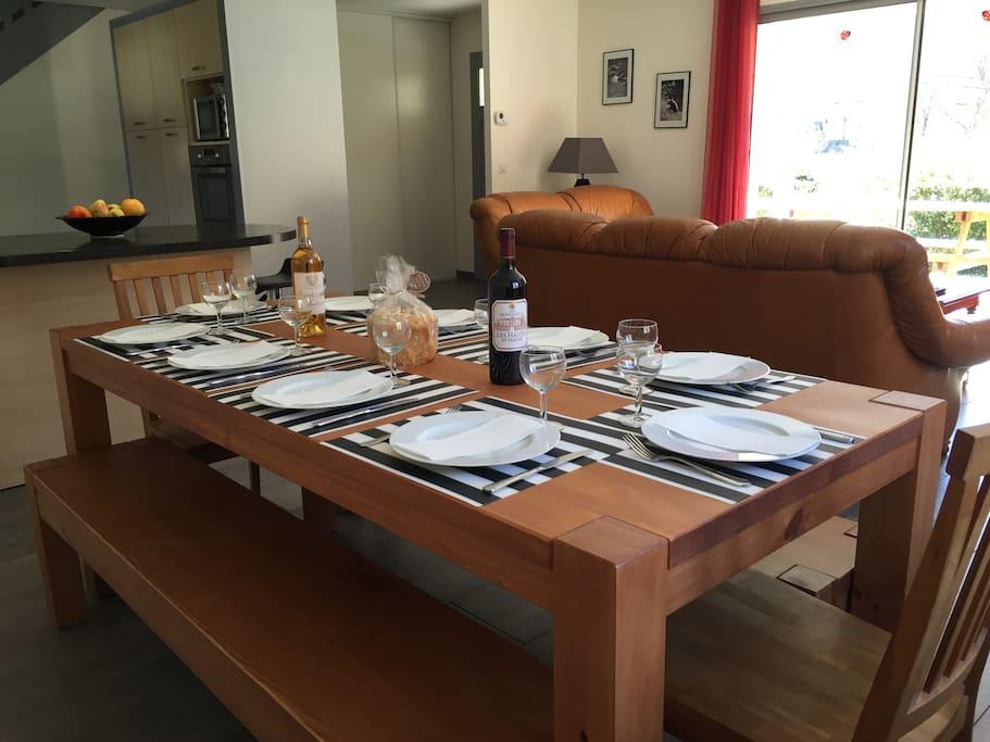 table pour 10 personnes