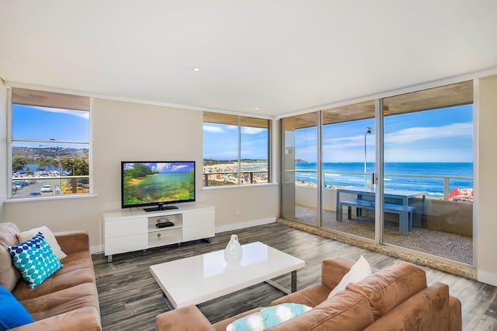 Beachfront Holidays - Dee Why - Huoneisto