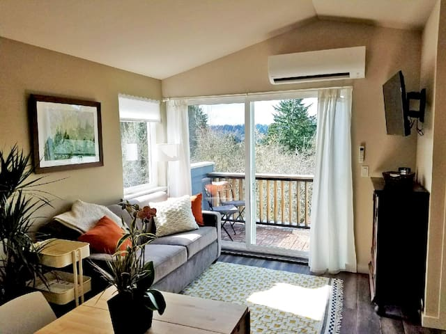 Bright and cozy apartment with garden view - Seattle - Apartamento