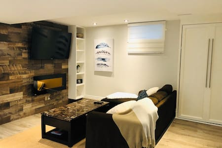 Central, Clean and Modern One Bedroom Apartment