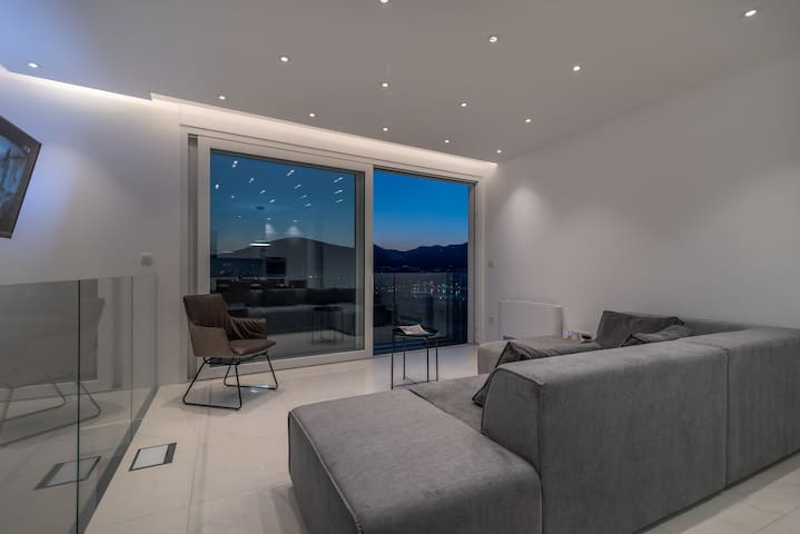Once you open the slide glass wall  your whole living room becomes a balcony  with an AMAZING view !
