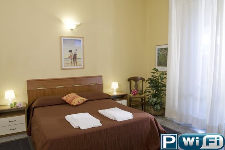 Bright double room B&B L'Argentiere