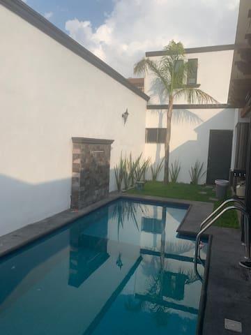 Apartamento privado, piscina y la mejor ubicación.