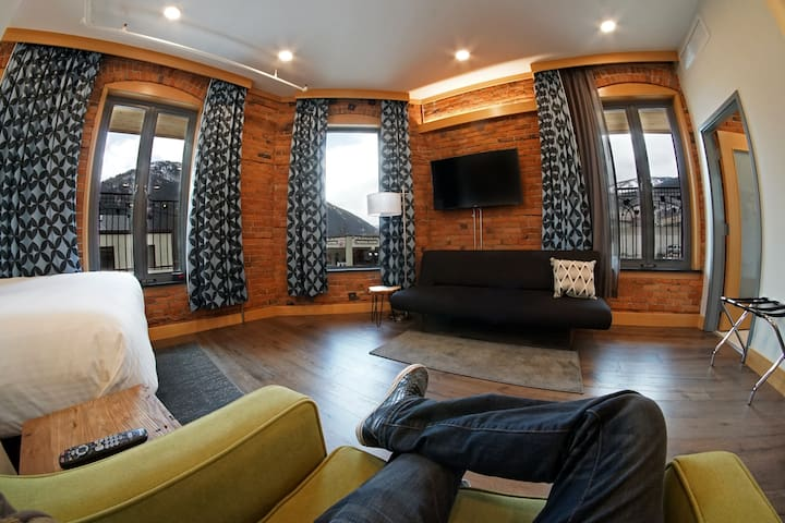 Savoy Hotel - Junior Suite