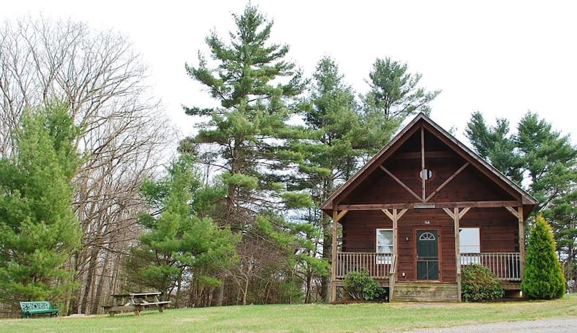 White Top-On the Parkway-Pet Friendly, Hiking Nearby, Blue Ridge Parkway, Sightseeing