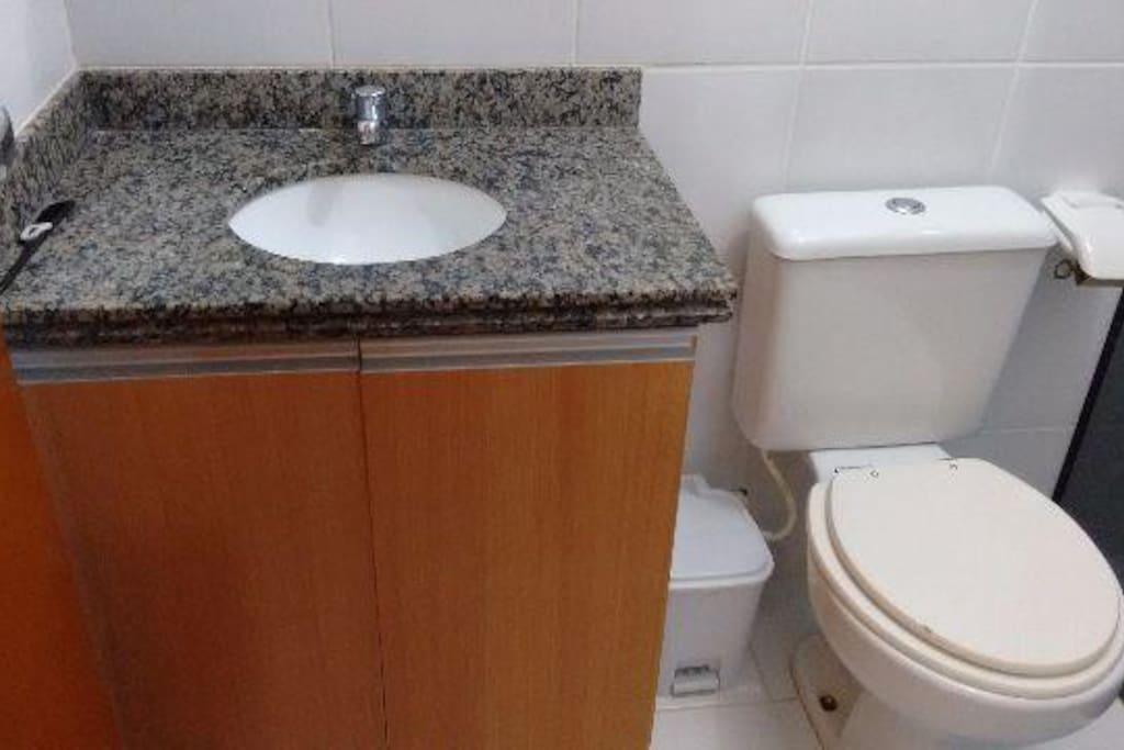 Banheiro / Chuveiro Quente