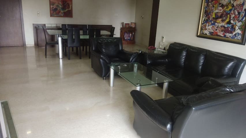 Happy stay in spacious house in happening location