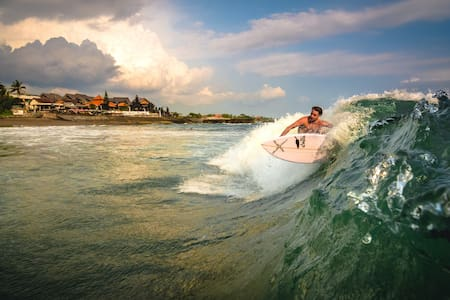 Curl of Wave at Canggu Beach, 3 Spectacular Rooms - North Kuta - Bed & Breakfast
