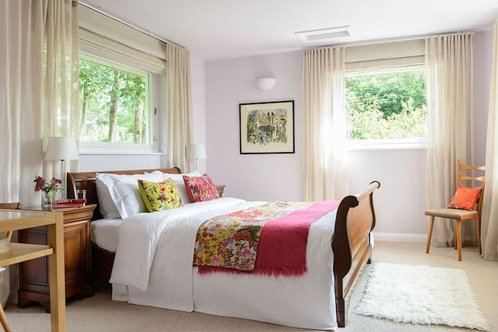 Deeply Comfortable Private Room - South Molton