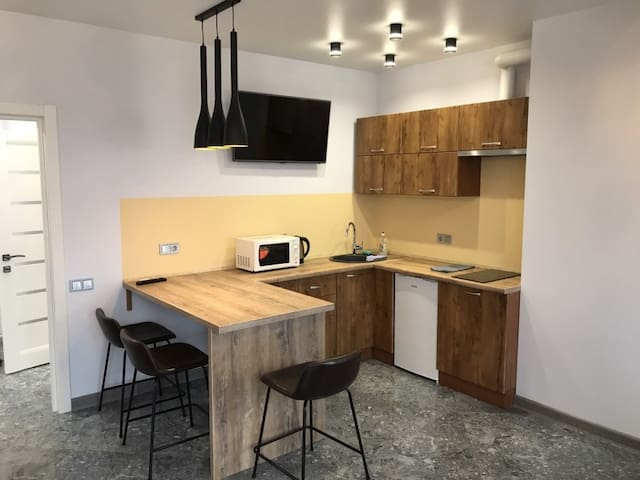 New flat in central area next to metro and nightlife