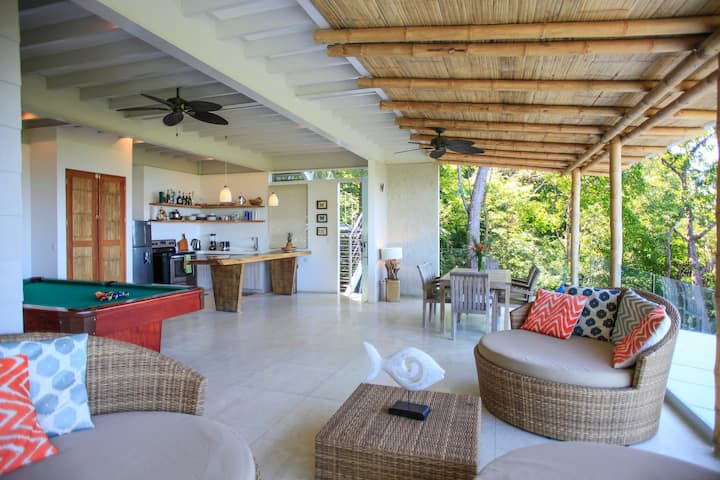 *Superb Santa Teresa Costa Rica Luxury Penthouse