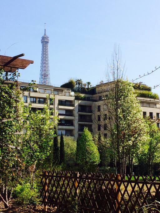 Tour Eiffel vue du Parc