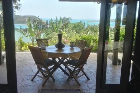 Villa avec vue sur le lagon à Mont Dore Sud