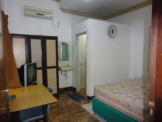 Rent room nias